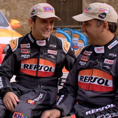 See Isidre Esteve and Txema Villalobos working as a team at the Dakar (1st part)