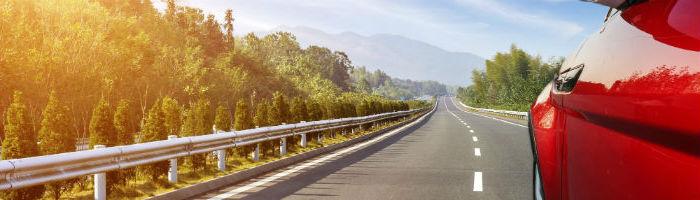 Plásticos de nueva generación para reducir el peso de los coches